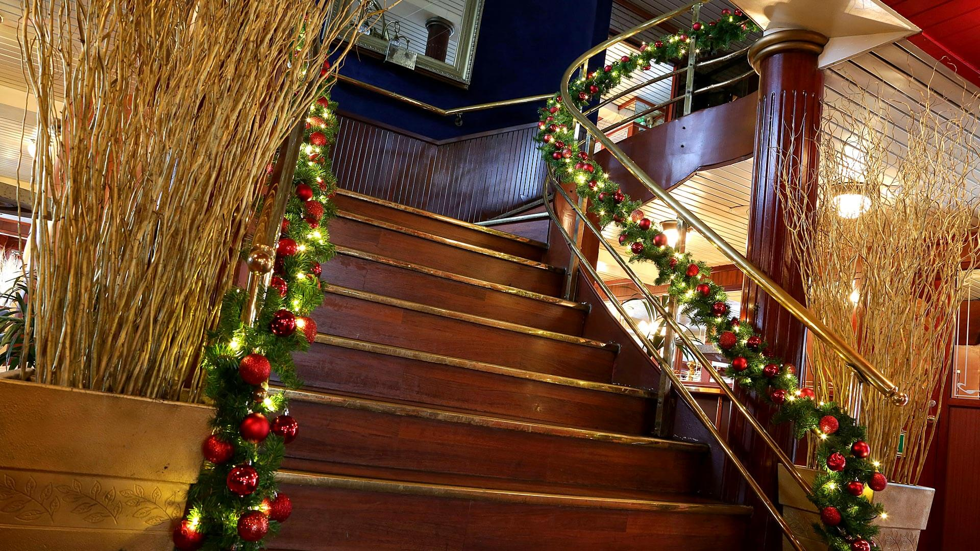 Christmas Boat Party London.Christmas Party Boat Boat Hire London Thames Luxury Charters