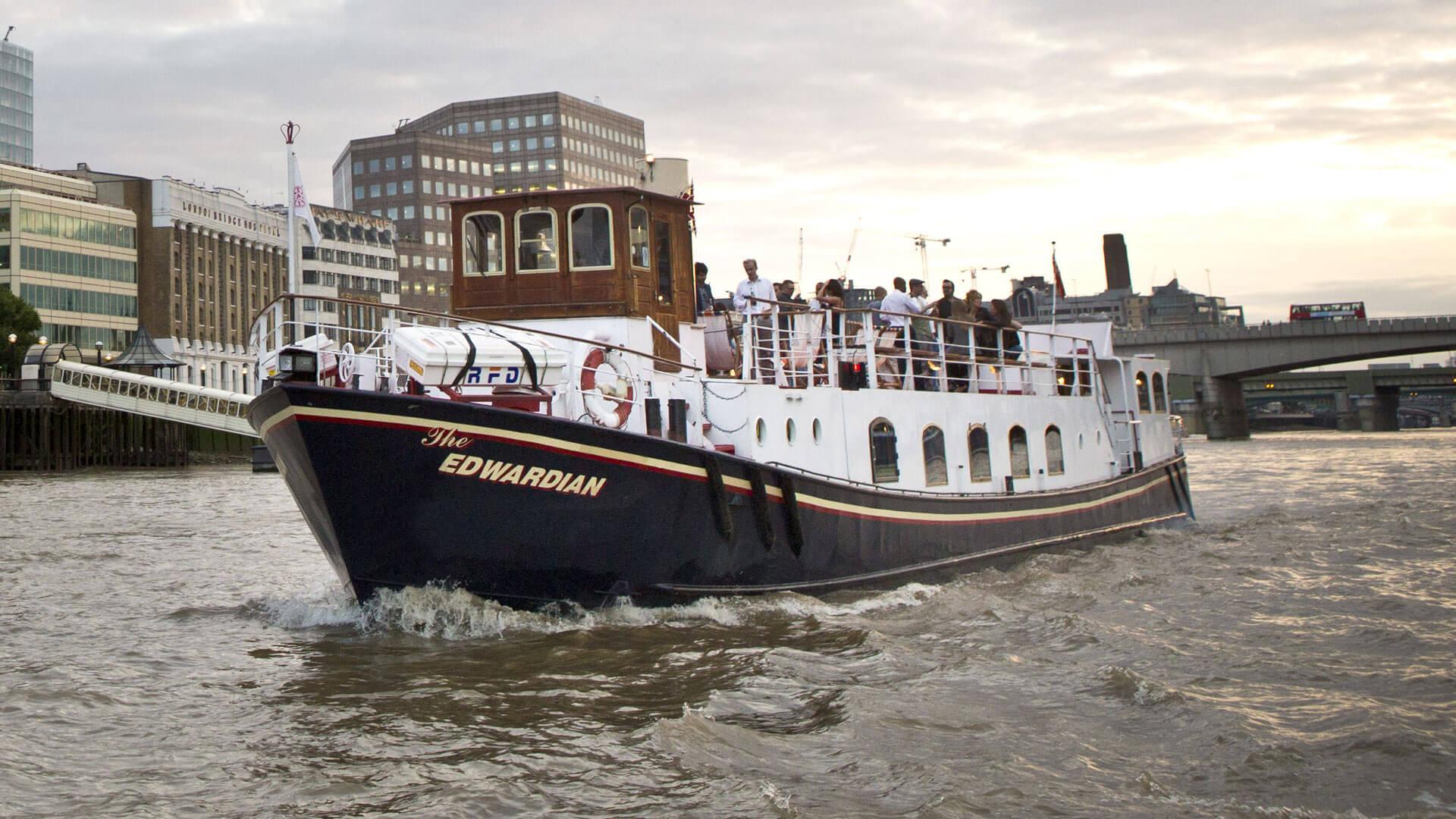 New Year's Eve Thames Cruise 2017 - Dinner & Fireworks